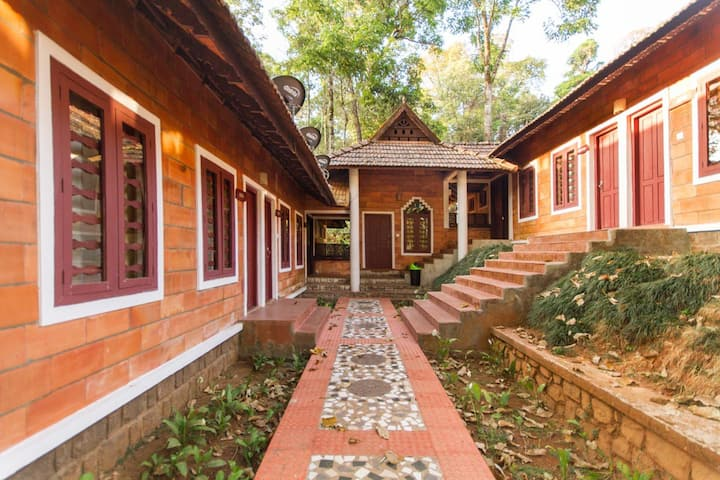 Coorg Homestay: Hillside Haven