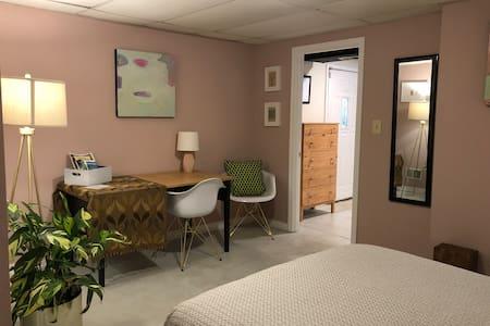 Cozy room near Churchill Downs and UofL