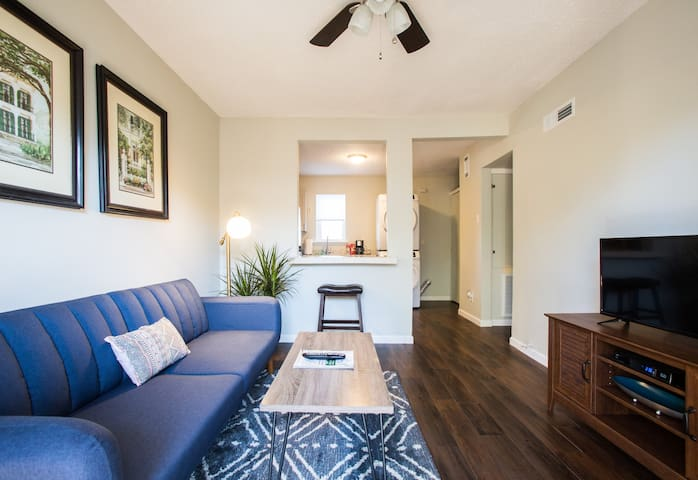Cute 1 Bedroom on Bywater's Edge!