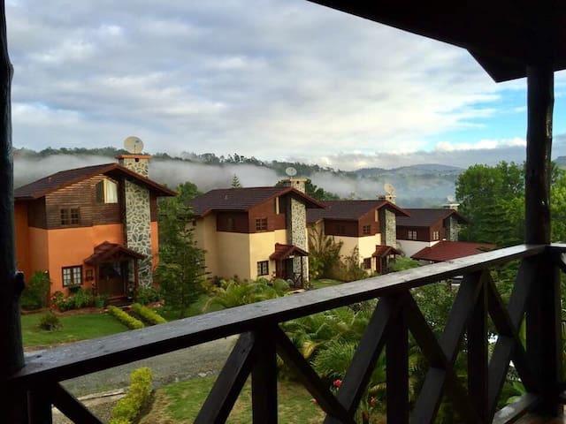 Hermosa Villa en Jarabacoa - Jarabacoa - Villa