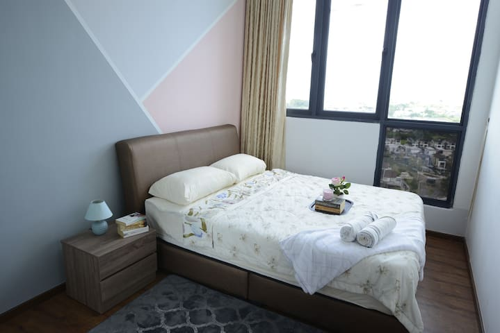 2nd bedroom - comfortable queen bed. A foldable mattress is available upon request at no extra charge.