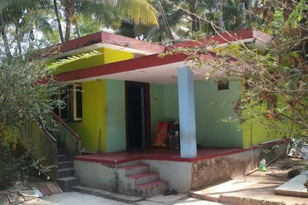 Byndoor Homestay, 2kms away from beach