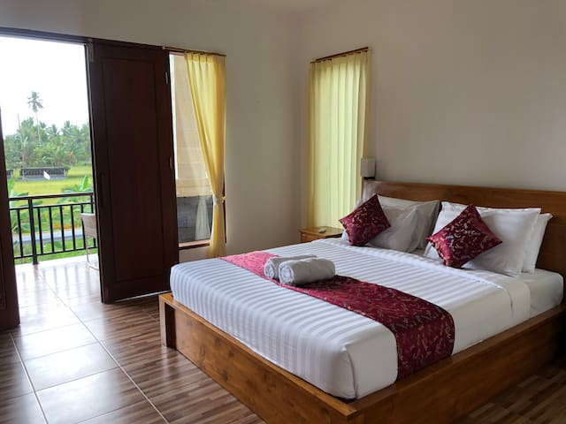 Laksmi House, 2BR with private tropical pool