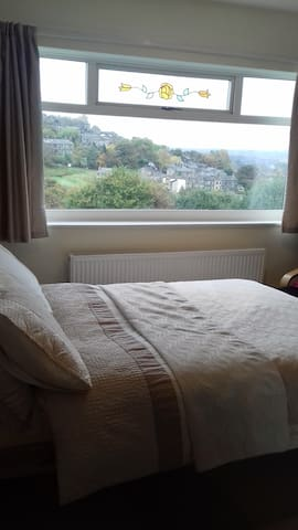 Pleasant, clean B&B - Golcar - Ev