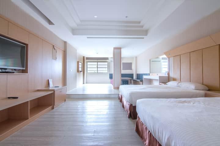 台東樂遊民宿 - 帶有客廳的四人房- 鄰近台東森林公園、台東海岸公路
