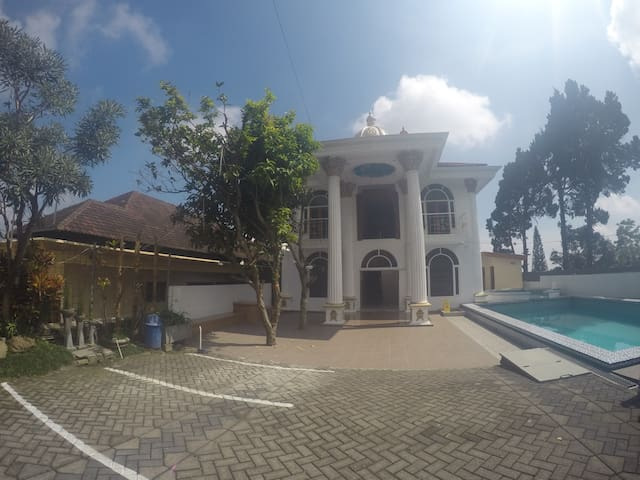 Rumah DOME All Guest - Pasuruan - Villa