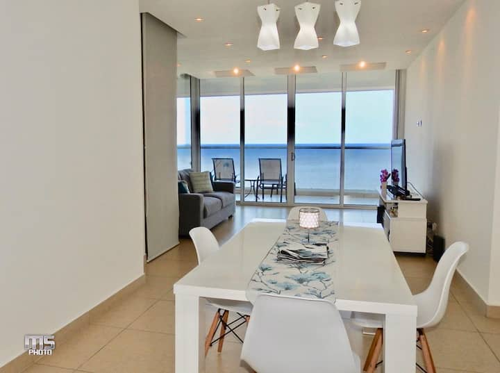 ★ Fabulous APT W/ amazing ocean view, TOP location