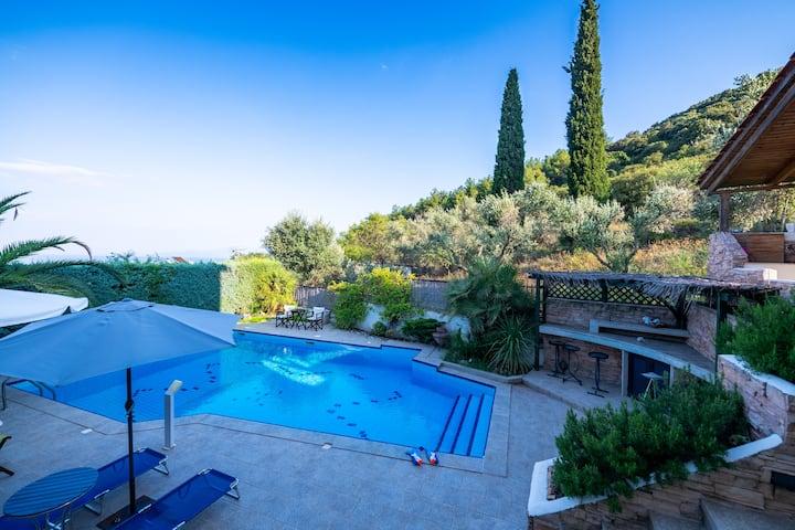 Palio pool sea view villa close to the beach