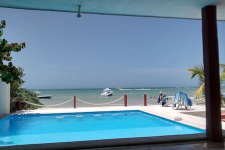 Beachfront Vacation Home in Chicxulub Puerto - Chicxulub Puerto