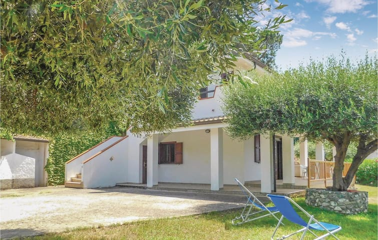 Holiday apartment with 3 bedrooms on 90m² in Joppolo VV