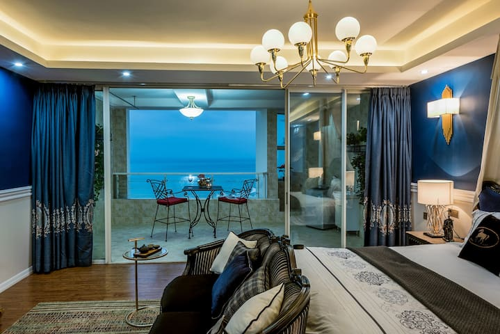 Deluxe suite with full sea view, next to beach