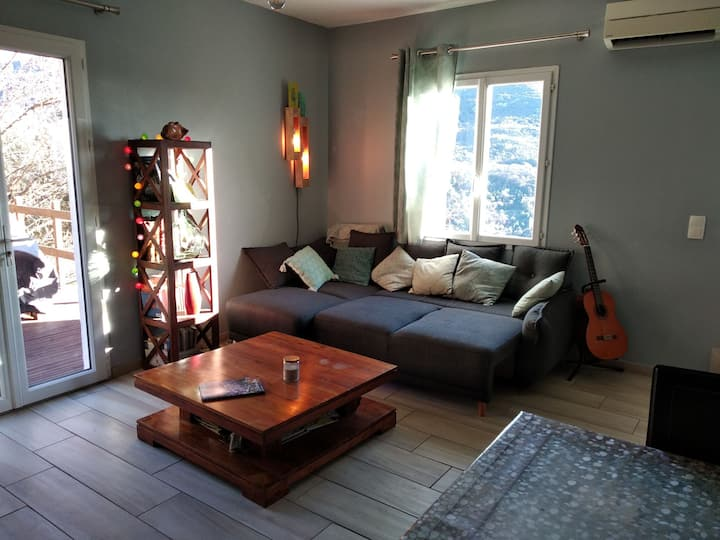 Maisonnette au calme proche de Grasse