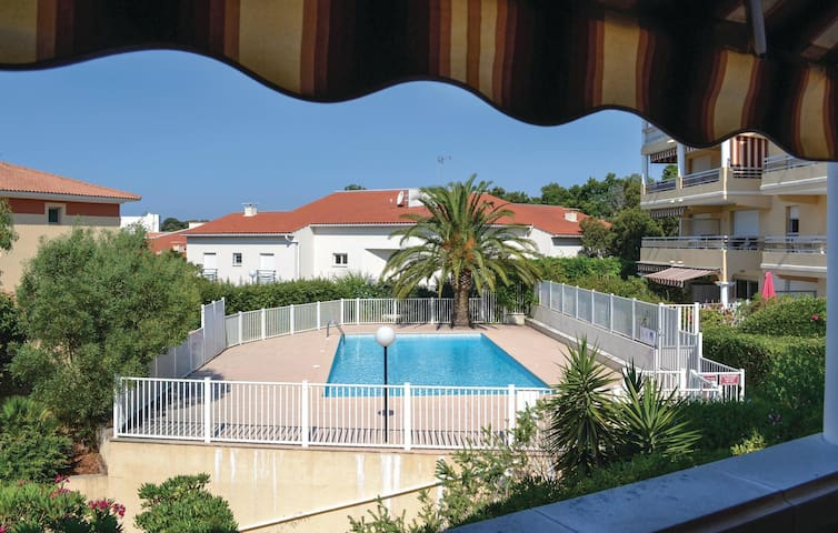 Holiday apartment with 1 bedroom on 43m² in St Raphael