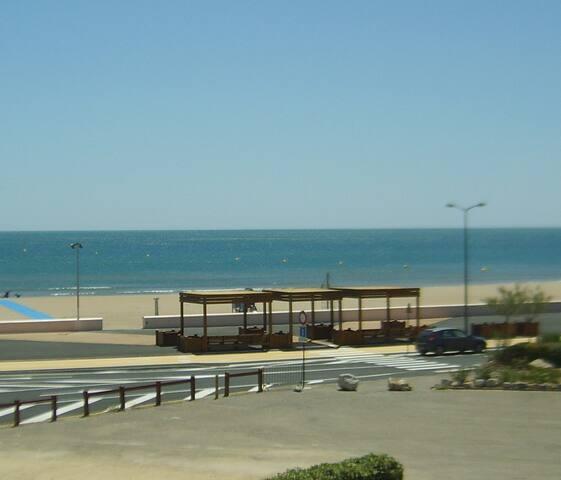 T2 avec vue mer sans vis à vis + parking privé