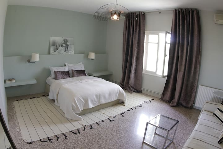 The Central Point :  Apt in the heart of La Marsa