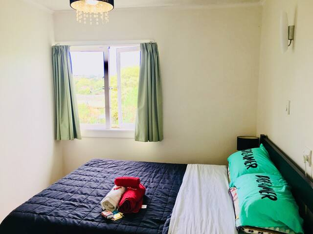 Cosy double bedroom, close to the city area