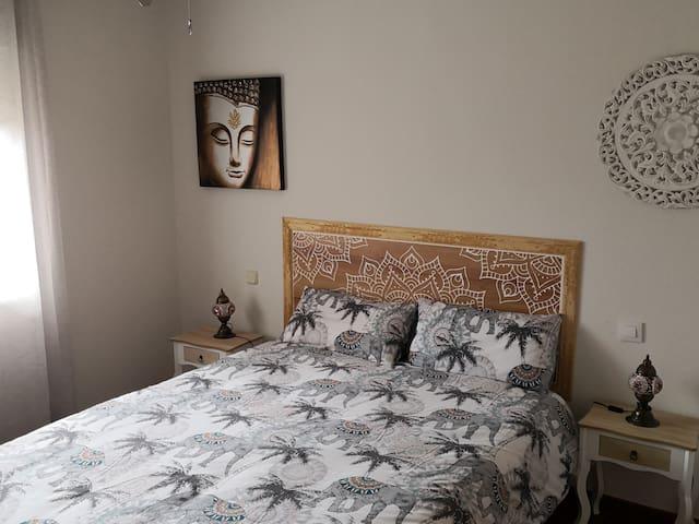 Dormitorio principal, cama de 1,50 cm