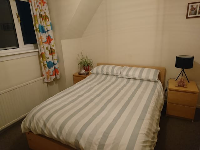 Comfortable Double Room in Lenzie