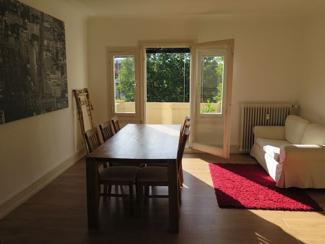 Room in beautiful centrally situated appartment