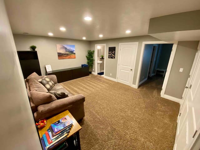 Perfect Basement! Comfortable, Cozy, and Private!