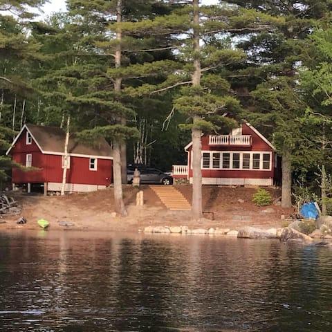 Stowaway Cottage Lakefront Ambajejus Lake 04462