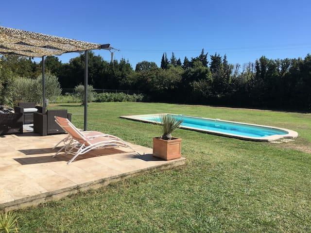 Alpilles Villa avec piscine 8 personnes