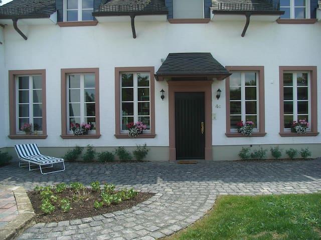 Ferienwohnung im Rosenhof - Üxheim - Daire