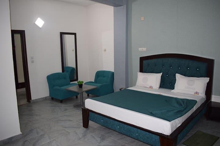 Luxxor Hotel ou Yaoundé sky hotel