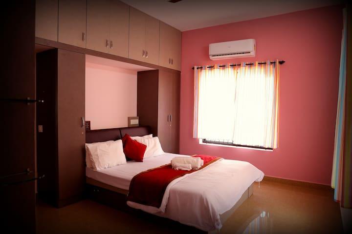 Bedroom 4 (Villa 2)