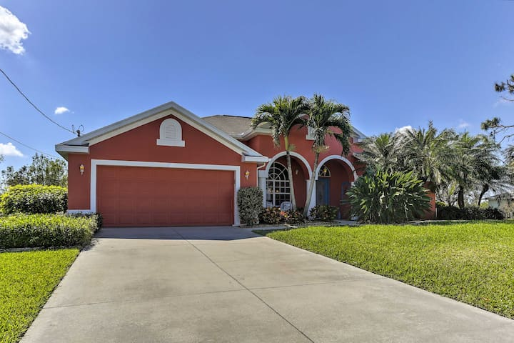Spacious 3BR Cape Coral House Prvt Infinity Pool!