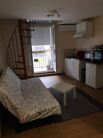 T2 en duplex meublé de 35 m2 situé à Coursan