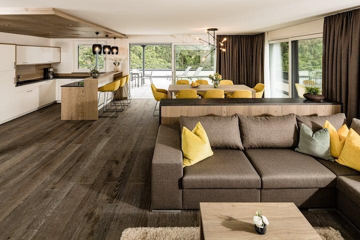 Three Bedroom Penthouse Villa mit Whirlpool