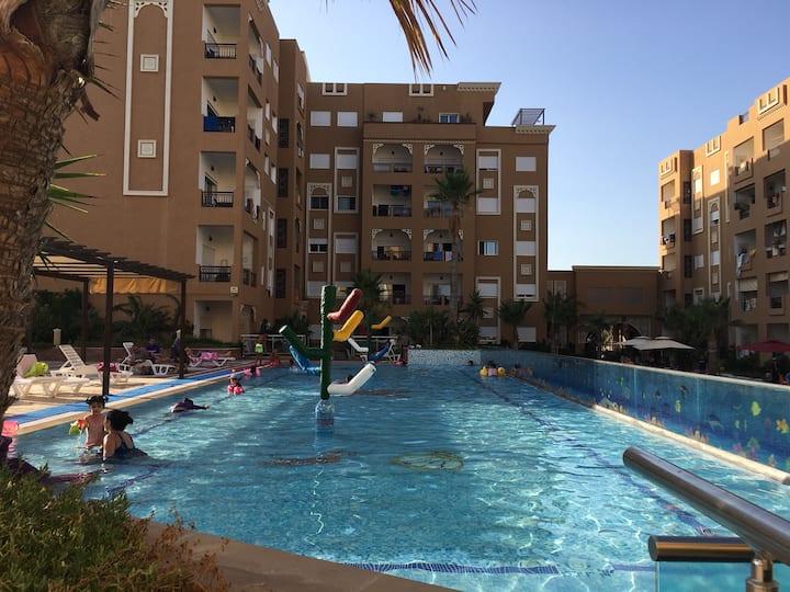 Vaste appartement vue mer  avec piscine