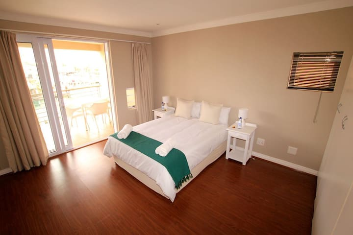 Magnificent apartment in the Port,  St Francis Bay - Western District - Daire