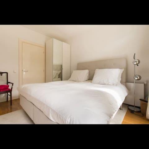 Great room in best area