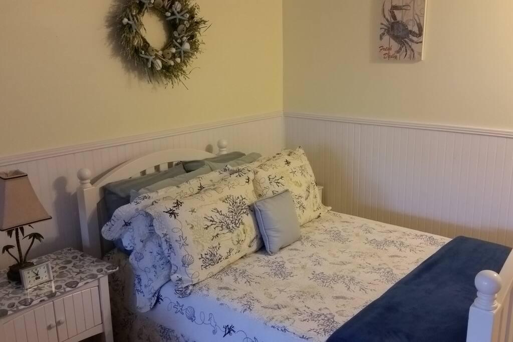 Full size Tempurpedic mattress