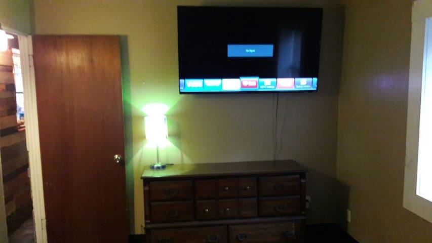 "65"" INCH 4k SMART TV"