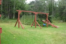 Traytown Cabins Swingset
