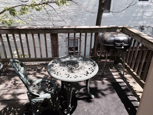 Furnished apartment with deck