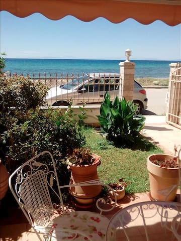 2 bedroom Maisonette in Paralia Dionysioy RE0423 - Mouries - Hus