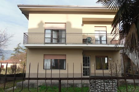 CASA AGNESE rent apartment in single-family house - Riva del Garda - Villa