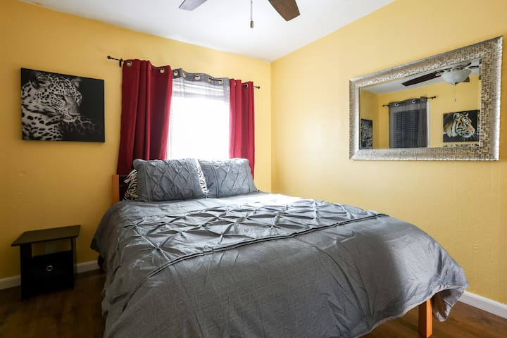 Shared Eastside house with Private Bed & Bath