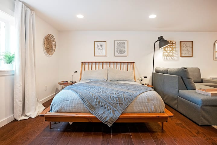 The 7th and Alder Centrally Located Stylish Studio