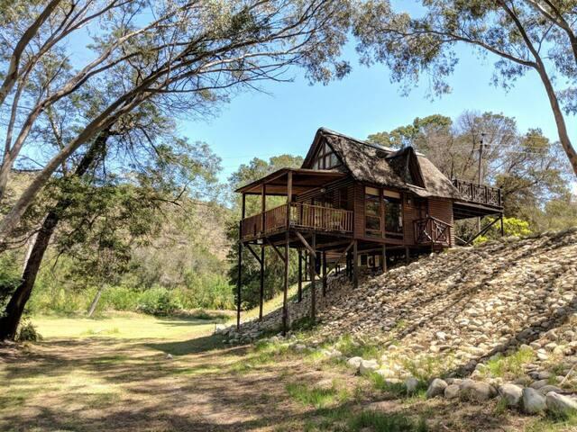 La Ferme - Thatch Cottage