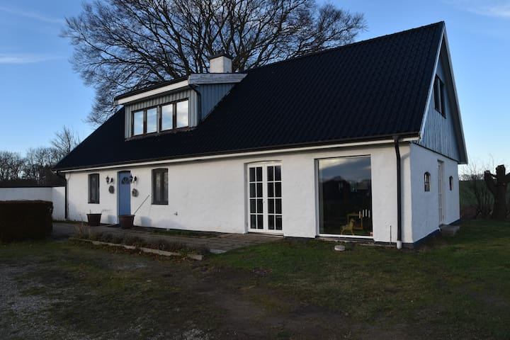 Lovely country house in front of the sea - Ystad V - House