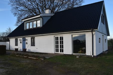 Lovely country house in front of the sea - Ystad V