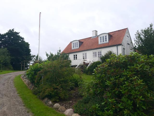 House close to Århus and the nature - Solbjerg