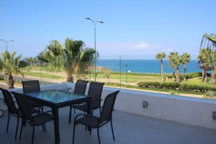 Villa avec Piscine premier front de mer