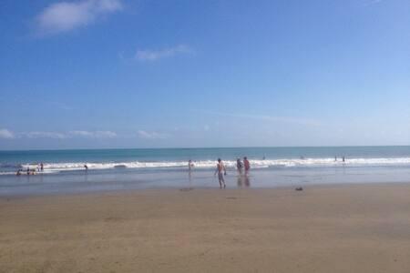 Lindo Departamento en la Playa - Tonsupa