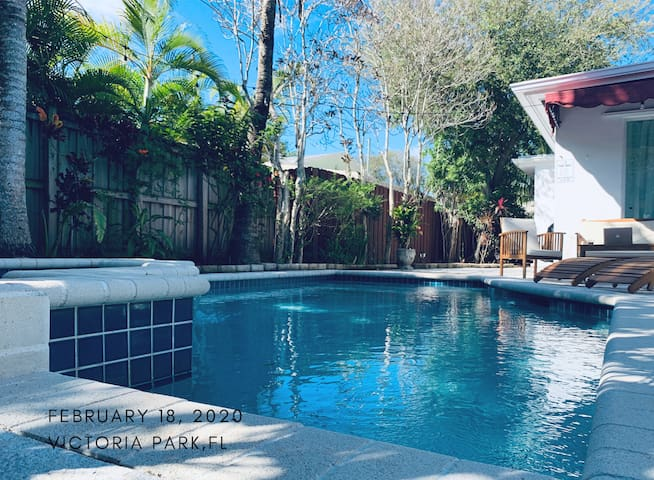 Beach 2 Miles&Downtown-Las Olas Steps Away-W/Pool